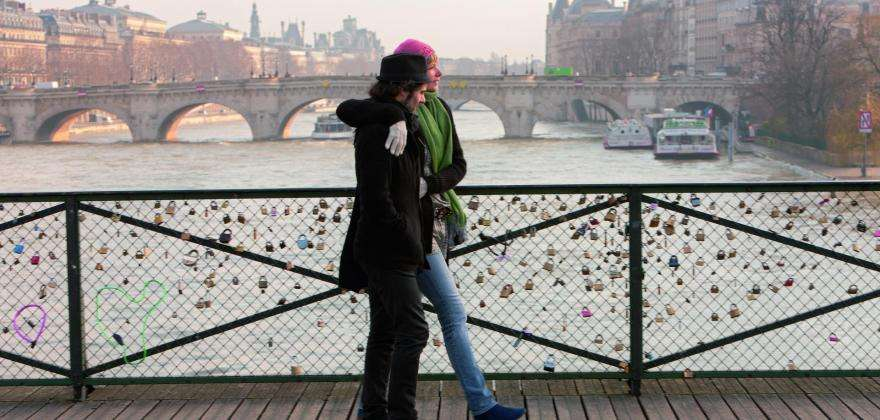 The timeless intimacy of Valentine's Day in Paris
