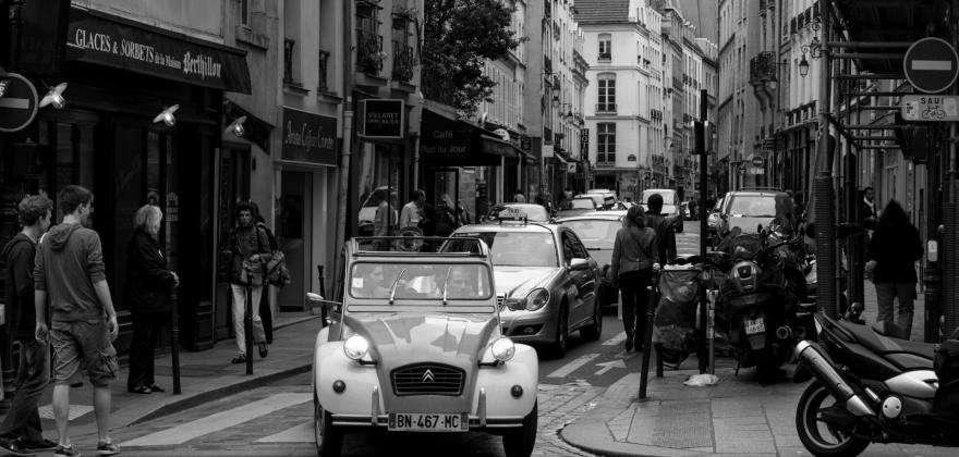 Discovering Paris in unusual ways