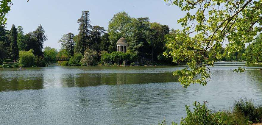 Escape to the Bois de Vincennes, less than 1 km from your hotel